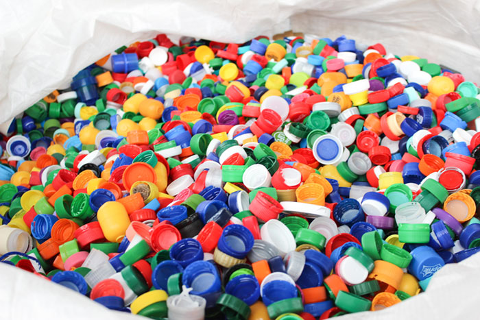 Kunststoffdeckel für die Aktion Deckel gegen Polio